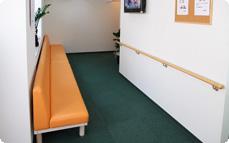 にしの接骨院 待合室